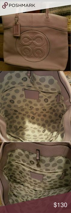 RARE Coach Signature Laura Tote Preowned Rare Signature Laura Tote. Excellent Pre owned condition. Smoke Free pet free home. Please check out my other listing s! As always... I accept all reasonable offers when the 20% posh profit is accounted in my budget. Coach Bags Totes