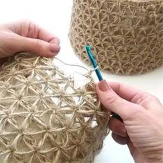 How to knit crochet basket video tutorial - # crochet basket video tutorial # holding . How to knit crochet basket video tutorial - # HäkelkorbVideoTutorial History of Knitting Str. Crochet Tote, Diy Crochet, Tutorial Crochet, Crochet Tutorials, Crochet Lamp, Crochet Baskets, Crochet Gloves, Macrame Tutorial, Crochet Handbags