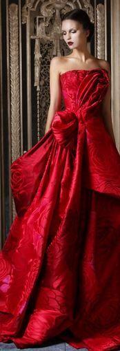 Rami Kadi Second Edition Rami Kadi Haute Couture glamour featured dresses Beauty And Fashion, Red Fashion, High Fashion, Fashion Models, Fashion Colours, Fashion Styles, Vestidos Fashion, Dress Vestidos, Style Haute Couture