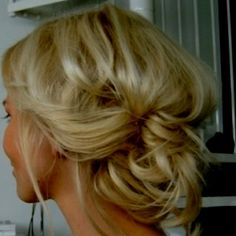 Perfect for work or going out!  - Click image to find more Hair & Beauty Pinterest pins