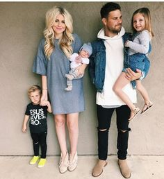 Tips For Picking Maternity Fashion Clothes Cute Family, Baby Family, Family Goals, Family Kids, Family Outfits, Cute Kids, Cute Little Boys, Boys Shirts, Maternity Fashion