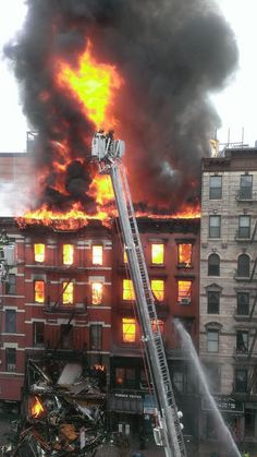 Manhattan NYC 7th alarm/Explosion on 3/26/2015