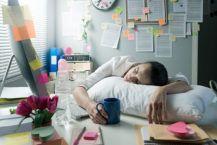 woman suffering from sleep debt