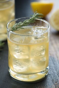 Bourbon Sour with Lemon & Rosemary Recipe. This bourbon sour with lemon & rosemary is a modern twist on a classic cocktail. This herb-infused whiskey drink is perfect for the fall and winter months! Bourbon Cocktails, Winter Cocktails, Whiskey Drinks, Classic Cocktails, Cocktail Recipes, Drink Recipes, Scotch Whiskey, Irish Whiskey, Gourmet