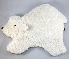 *Eisbär Timo - Wärme-/Kälte-Tierkissen mit Inlet-Kombi*    Timo, ein Kuschelfreund zum Liebhaben, der wohlige Wärme oder sanfte Kühle schenkt. In sich