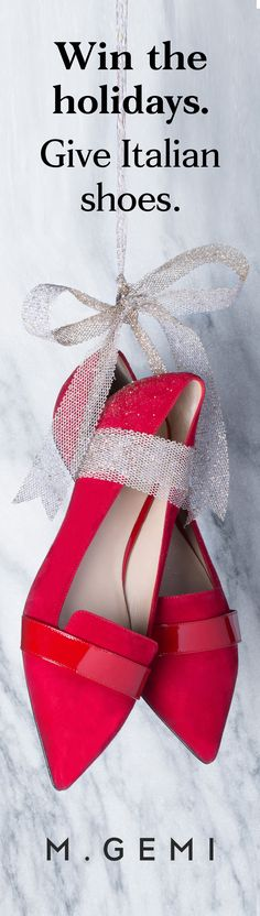 New handmade shoes at prices that won't ruin the mood. The perfect gift for her. Give joy, give Italian shoes.