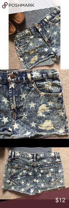 Star Print Denim Shorts Denim shorts with a star print and slightly distressed. Forever 21 Shorts