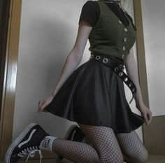 Edgy Outfits, Grunge Outfits, Grunge Fashion, Retro Outfits, Cool Outfits, Girl Fashion, Fashion Outfits, Aesthetic Grunge Outfit, Aesthetic Fashion