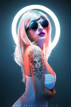 Néon - Model : Shana-e Photographer : Ness Edited by Ness Studio Photoshop CC - © Ness studio 2018 #neon #artwork #photoshop #fashion #tatoo Glitch, Adobe Photoshop, Neon Girl, Studio, Tatoos, Artworks, Halloween Face Makeup, Retro, Model