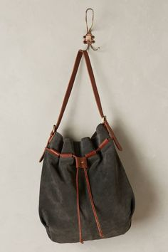 Step Inside Our Travel Editor's Dreamy Mexico House – 10 Best Bucket Bags - Camille Styles Black Leather Backpack, Leather Bag, Mo & Co, Designer Wallets, Unique Bags, Purses And Bags, Coin Purses, Bag Accessories, Bucket Bags