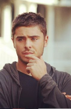 zac efron in the lucky one...he was so beautiful in this movie ♥