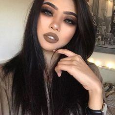    Top Makeup Models    Model's Instagram - @gg_luxious