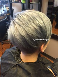 Please follow my Instagram @emiliehairdesign #hair #silver #color #pravana