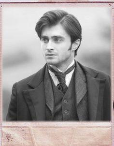 DanRad looking like an English gentleman? *swoon*