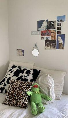 Room Ideas Bedroom, Bedroom Decor, Bedroom Inspo, Bed Room, Bedroom Furniture, Furniture Design, Bedroom Signs, Decor Room, Furniture Styles