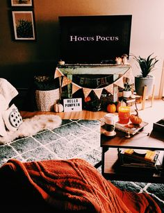 60 Best DIY Halloween Decoration Ideas - Each of Us Has Different Needs . - 60 Best DIY Halloween Decoration Ideas – Each of us has different needs and material options, but - Fall Room Decor, Living Room Decor, Home Decor, Fall Apartment Decor, Fall House Decor, Autumn House, Fall Living Room, Scary Halloween Decorations, Fall Halloween