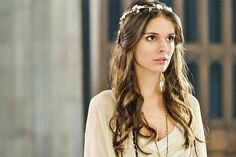 Reign episode 1x09 - For King And Country