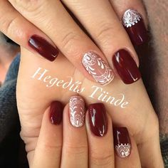 Best Nail Polish Colors of 2020 for a Trendy Manicure Holiday Nail Colors, Holiday Nails, Christmas Nails, Simple Christmas, Glitter Acrylics, Silver Glitter Nails, Lace Nail Design, Wedding Nails Design, Nagellack Design