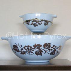 Promotional delphite blue Chip & Dip set with Gooseberry pattern
