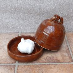 Garlic roaster ....or butter dish .....hand thrown stoneware pottery
