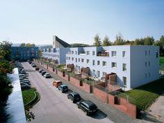 Примеры реновации панельных домов советского периода, построенных вВосточной Германии
