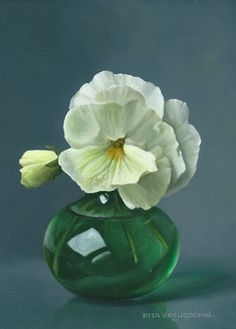 Witte viooltjes, 18 x 13 cm, olieverf op paneel | White Pansies | Oil on Panel | artist Pita Vreugdenhil
