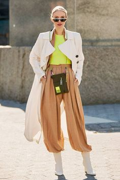 How to wear colour in winter: colourful base layer Neon Outfits, Colourful Outfits, Fashion Outfits, Fashion Trends, Jackets Fashion, White Outfits, Office Outfits, Simple Outfits, Trendy Outfits