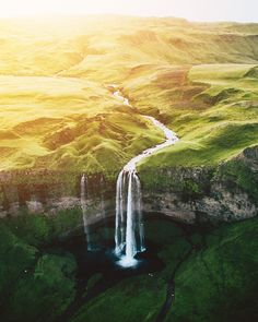 [OC] The end of the earth Seljalandsfoss Iceland [20002500] #reddit