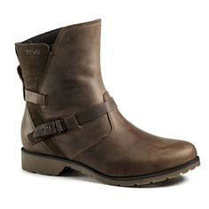 Love the shorties! Teva De La Vina riding style low boot
