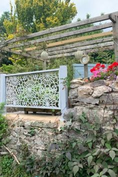 Our beautiful Damask Rose garden screen in grey. 🌿 The perfect addition to our customer's beautiful countryside garden. 😍 Metal Garden Screens, Garden Screening, Damask Rose, Countryside, Outdoor Structures, Beautiful, Grey, Gray