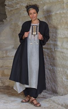Asymmetrical coat (beautiful thick and dense black linen) worn over a tunic made of linen gauze natural color