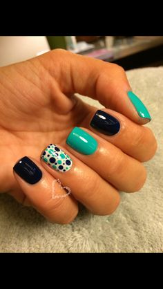 Nail art- playful poka dots