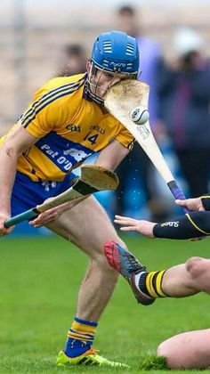 Hurling is a serious contact sport. Funny Sports Memes, Sports Humor, Nfl Sports, Sports Stars, Irish Memes, Contact Sport, Football Memes, Georgia Bulldogs, San Francisco Giants