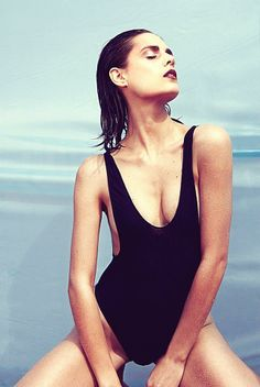Design my body   Flor grillo #lomanagement Revista Remix http://www.zarpado.com/?p=23557  90´STYLE DENIM BY ME  FOTO: Charly V Real TEXTO: Fernando Nieva ESTILISMO: Lyla Peng MAKE UP: Martín Costa Hagen para Bobby Brown PELO: Giovanna Caggiano MODELO: Flor Grillo para Lo Management ASIST. FOTO: Johny Leon