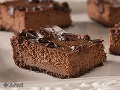 The Big Diabetes Lie- Recipes-Diet - Triple Chocolate Cheesecake Squares Doctors at the International Council for Truth in Medicine are revealing the truth about diabetes that has been suppressed for over 21 years. Diabetic Desserts, Low Carb Desserts, Diabetic Recipes, Healthy Recipes, Triple Chocolate Cheesecake, Chocolate Peppermint Cookies, Brownie Recipes, Cake Recipes, Dessert Recipes