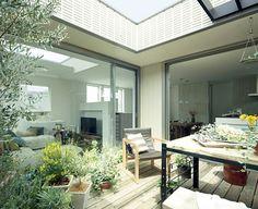 旭化成ホームズ(ヘーベルハウス)そらのま+(プラス)2 Cat Cafe, Cozy House, Building A House, Exterior, House Design, Windows, Studio, Architecture, Garden