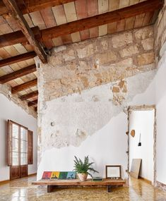 Gallery of St. Miquel 19 Refurbishment / Carles Oliver - 10