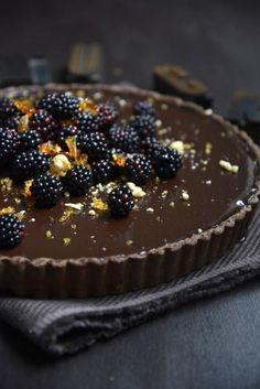 Dark Chocolate Tart with Blackberries and Hazelnut Praline #desserts #chocolatetart