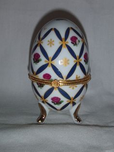 China Egg Trinket Box with Central Brass Band & 3 Legs