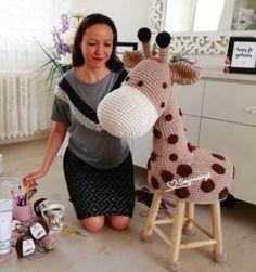 9 Tips for knitting – By Zazok Crochet Cushions, Crochet Dishcloths, Crochet Animals, Crochet Toys, Stool Cover Crochet, Octopus Crochet Pattern, Knitting Patterns, Crochet Patterns, Yarn Tail