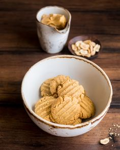 This Homemade Cookie Butter Will Make You Cry Tears of Joy Homemade Cookie Butter, Butter Cookies Recipe, Peanut Butter Cookies, Yummy Treats, Yummy Food, Dessert Recipes, Desserts, Dessert Ideas, How To Make Cookies