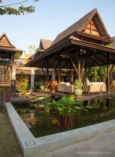 BANGKOK - BAIPAI THAI COOKING SCHOOL Tropical Architecture, Pavilion Architecture, School Architecture, Architecture Design, Tropical House Design, Tropical Houses, Roof Design, Exterior Design, Pyramid House