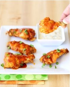 What do you get when you combine spicy Buffalo sauce and zesty Ranch mix? You get this crazy delicious Crockpot Buffalo Chicken Recipe! Just 3 ingredients! Buffalo Chicken Recipes, Chicken Wing Recipes, Fall Crockpot Recipes, Slow Cooker Recipes, Parmesan Wings Recipe, Chicken Drumstick Recipes, Ranch Chicken, Bbq Chicken, Sticky Chicken