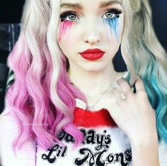 Harley Quinn cosplay by Dove Cameron Harley Quinn Halloween, Harley Quinn Cosplay, Joker And Harley Quinn, Thomas Doherty, Maquillage Halloween, Halloween Makeup, High School Musical, Dov Cameron, Dove And Thomas
