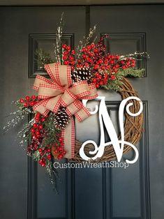 Homemade Christmas Wreaths, Christmas Wreaths For Front Door, Holiday Wreaths, Christmas Decorations, Holiday Decor, Rustic Christmas, Winter Wreaths, Christmas Crafts, Christmas Tree