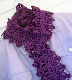 Mr. Micawber's Recipe for Happiness: Laurel Leaf Scarf ~ Free Crochet Pattern & Tutorial