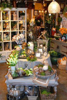 Clever gift shop merchandising ideas в 2019 г. Gift Shop Displays, Craft Show Displays, Shop Window Displays, Store Displays, Display Ideas, Booth Ideas, Gift Shop Decor, Flea Market Displays, Gift Shop Interiors