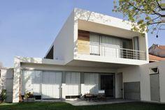 Plegados blancos que envuelven - Noticias de Arquitectura - Buscador de Arquitectura