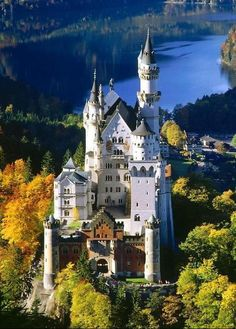 Замок Нойшванштайн: замысел и строительство замка
