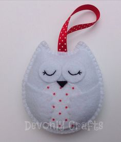 Items similar to Hand Stitched Snowy Owl Felt Hanging Decoration/Ornament on Etsy Homemade Christmas Decorations, Felt Christmas Ornaments, Diy Christmas Gifts, Christmas Houses, Felt Owls, Felt Birds, Fabric Ornaments, Handmade Ornaments, Felt Bookmark
